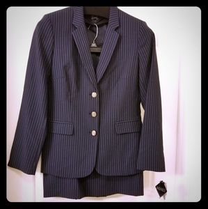 NEW Navy blue pinstriped skirt suit